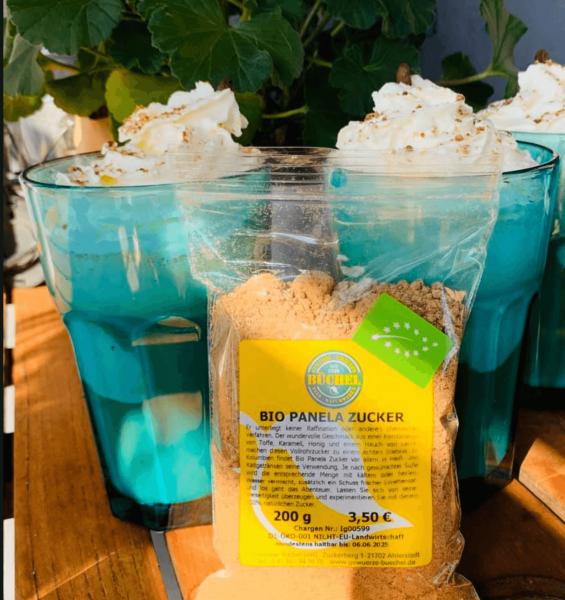 Sommer-Sonne-Eiskaffee