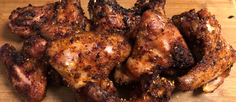 Chicken Wings vom Keramikgrill